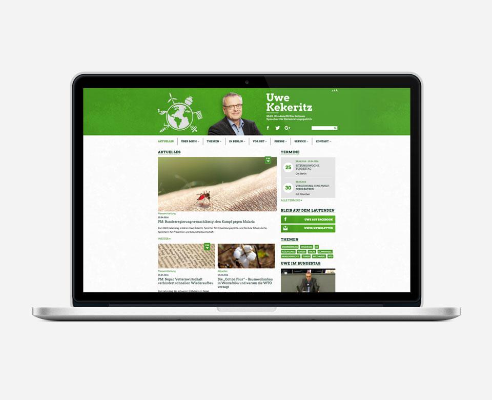 Die Webseite von Uwe Kekeritz auf einem Laptop dargestellt